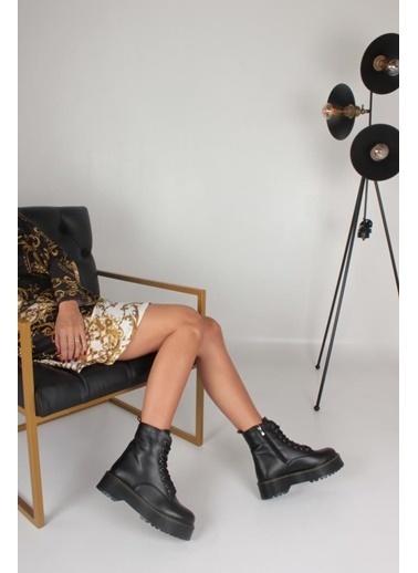 İnan Ayakkabı Bayan Fermuarlı Bot Siyah